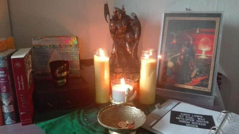 Mein Loki-Altar